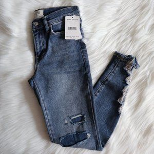 Free People About a Girl Hi Waist Ripped Jeans 24